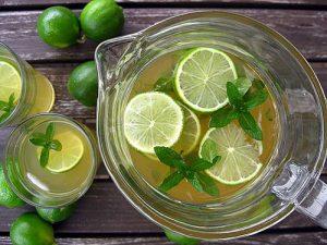 Hỗn hợp nước chanh, mật ong và bạc hà